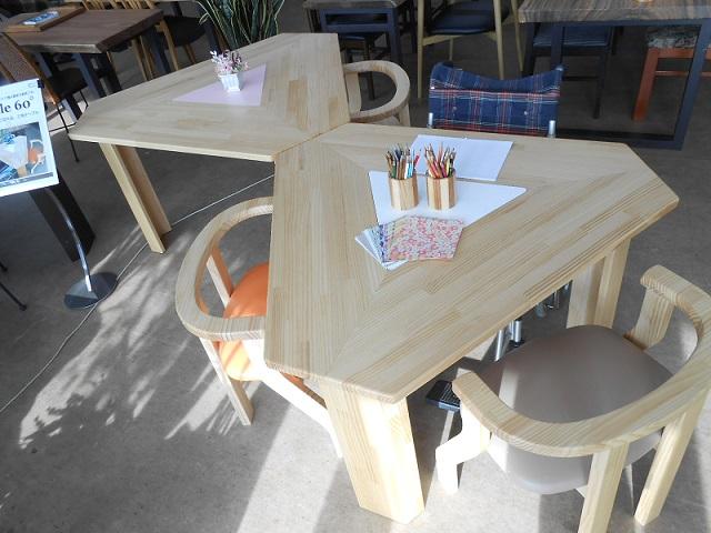 三角テーブル Smile60° Sサイズ